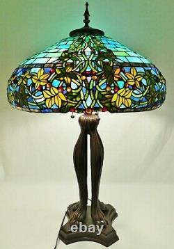 Large Vintage 22 Tiffany Style BERRIES LEAVES Leaded Stained Glass Table Lamp