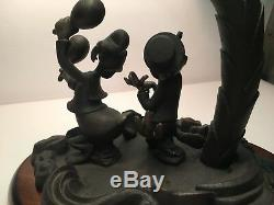 RARE DISNEY TIFFANY STYLE LAMP Donald Duck Saludos Amigos STAINED GLASS