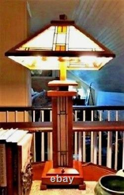 Tiffany Style Stained Glass Mission Light Wood Base Table Lamp 15 Shade 3-Light