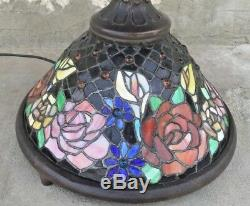 Vintage Stained Glass Cabbage Rose Table Lamp